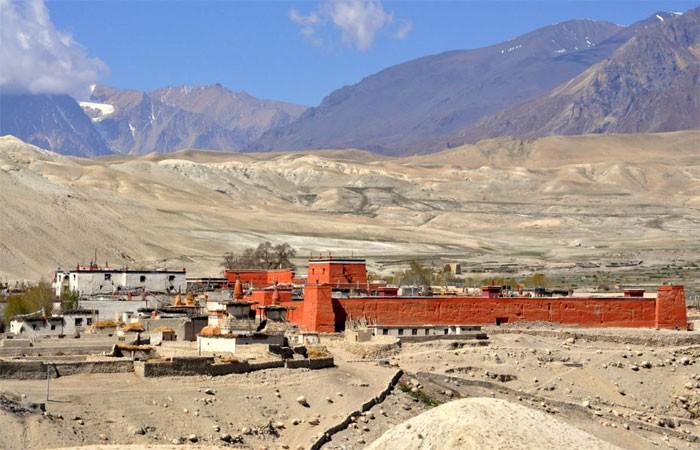 Lo-Mangthang valley at upper mustang