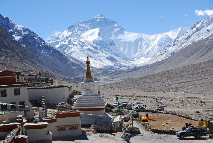mount everest north face and rongbuk monastery