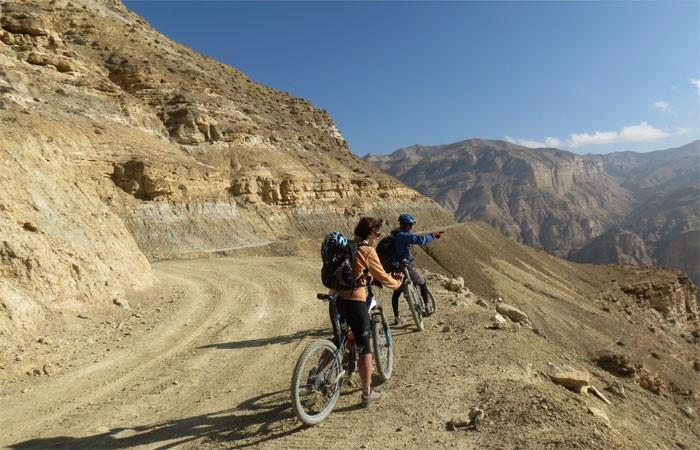 Upper mustang mountain biking tour chaile to syangboche