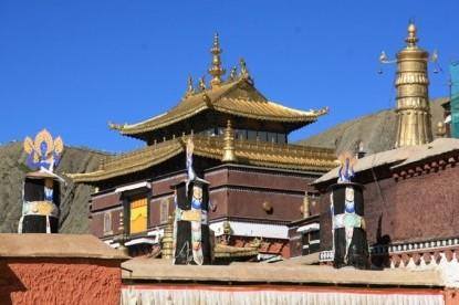 Lhakpa Ri Trekking and Climbing (7045m)
