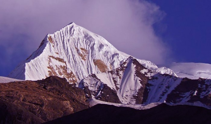 Singhu Chuli Peak Climbing